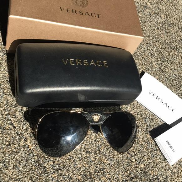 b64f6fc7ffba Versace VE 2150Q Sunglasses. M_5b55e7991537957a11f19878
